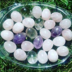 Los Huevos Vaginales, el Eclipse y la Luna Nueva
