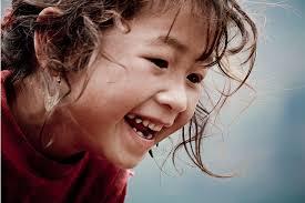 niña rie